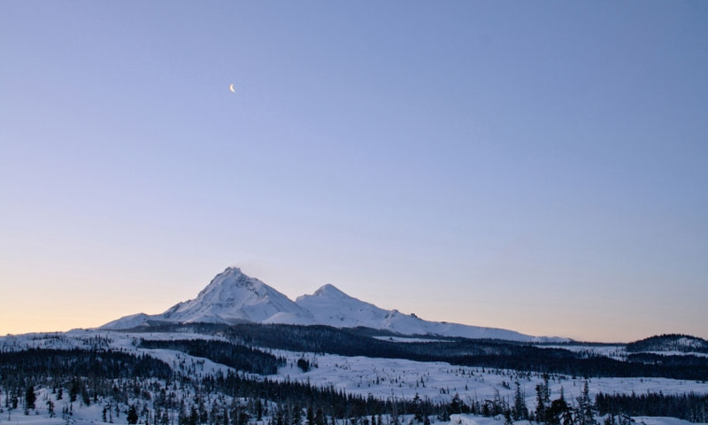 Moon over the Three Sisters