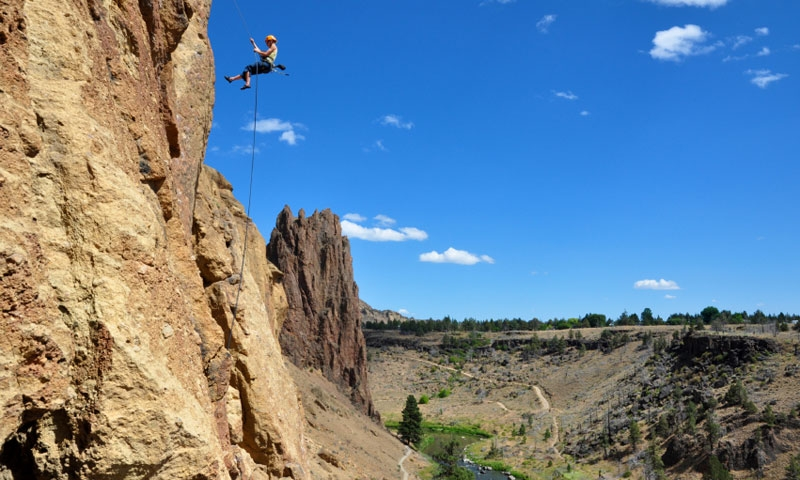 Rapelling down Smith Rock