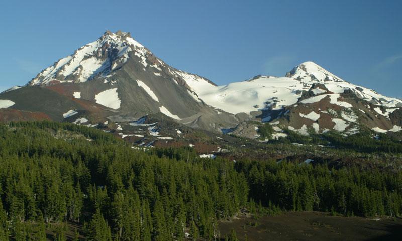 Oregon Three Sisters Mountains