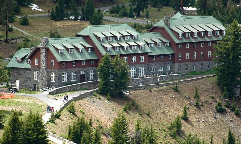 Crater Lake Hotel