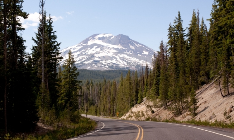 Road to the Cascade Mountains