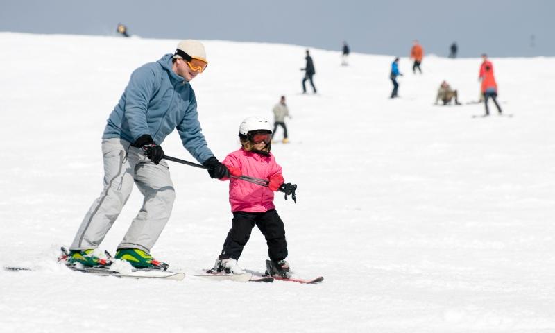 Kid learning to Ski