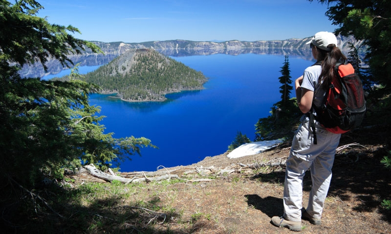 Hiking the rim of Crater Lake National Park