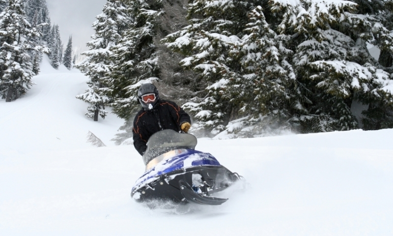 Snowmobiling in Washington